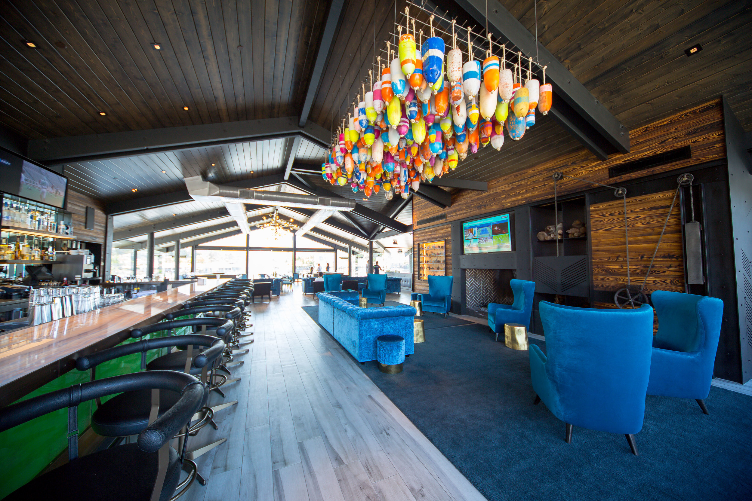Decoy Dockside Dining in Lake San Marcos Bar